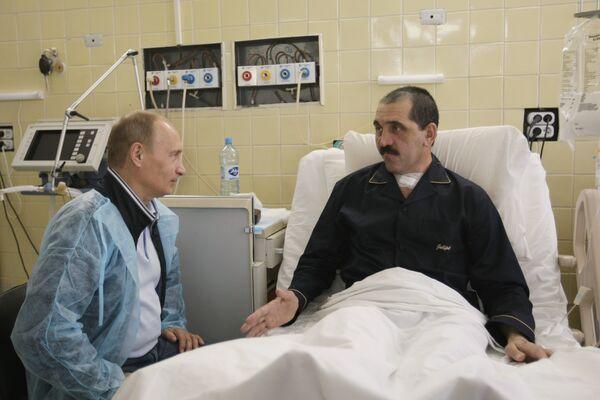 Евкуров после выписки из больницы пройдет реабилитацию в Подмосковье