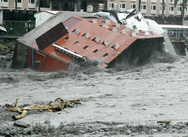 Число жертв тайфуна Моракот на Тайване достигло 67 человек