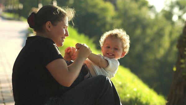 Около 115 тысяч сирот устроены в семьи в 2008 году - Фурсенко