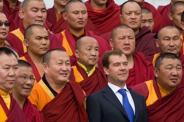 Президент РФ Дмитрий Медведев посетил Иволгинский дацан