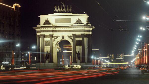 Кутузовский проспект в Москве. Архивное фото
