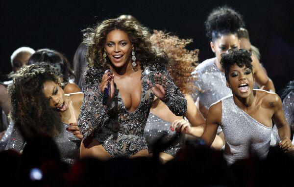 Бейонсе на церемонии вручения премии Video Music Awards американского музыкального телеканала MTV