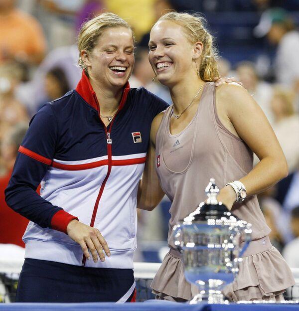 Финалистки US Open Ким Клейстерс (слева) и Каролин Возняцки
