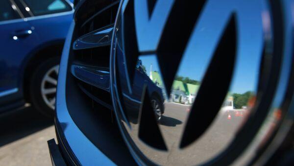 Эмблема Volkswagen. Архивное фото