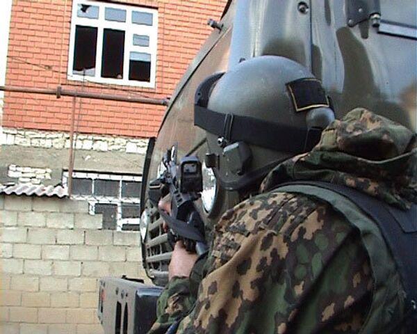 Штурм дома с боевиками начался в пригороде Махачкале - УФСБ
