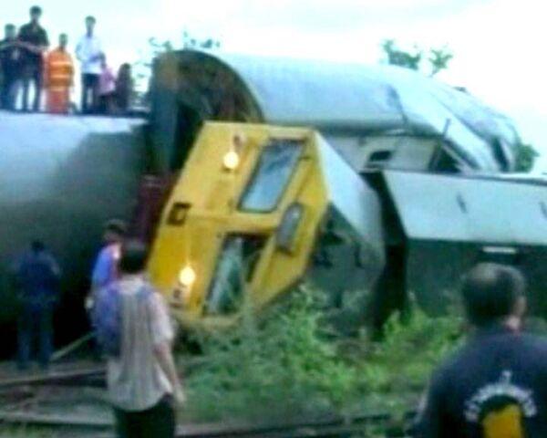Крушение пассажирского поезда в Таиланде. Видео с места трагедии