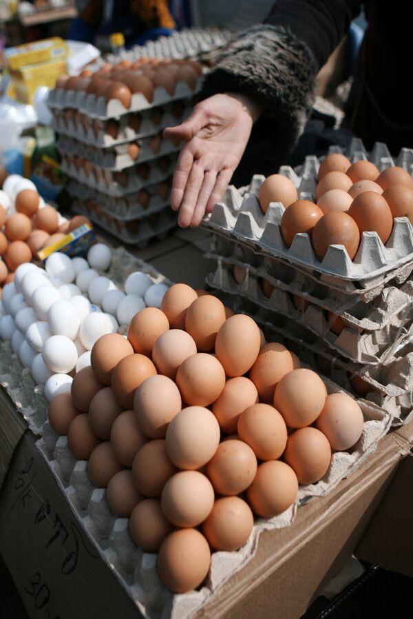 Торговля куриными яйцами. Архив