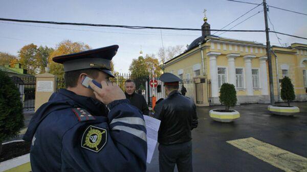 На улицах, прилегающих к Ваганьковскому кладбищу, усилены меры безопасности в связи с похоронами Вячеслава Иванькова