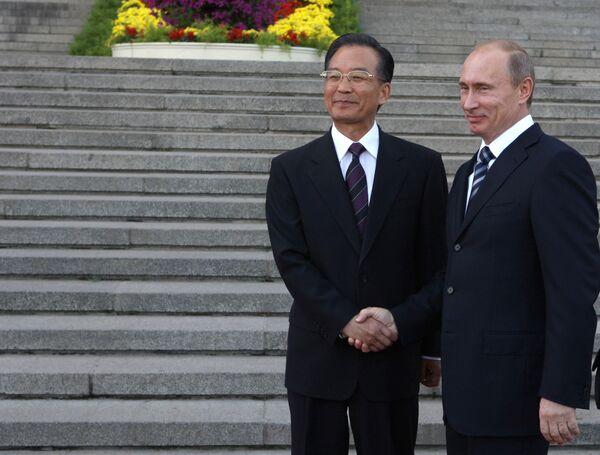 Официальная церемония встречи премьер-министра РФ Владимира Путина с Вэнь Цзябао