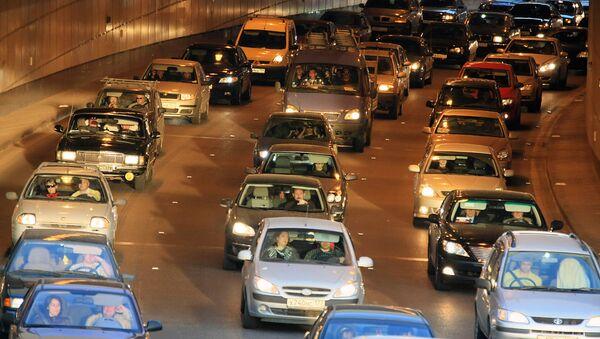 Госдума утвердила поправки о применении транспортного налога