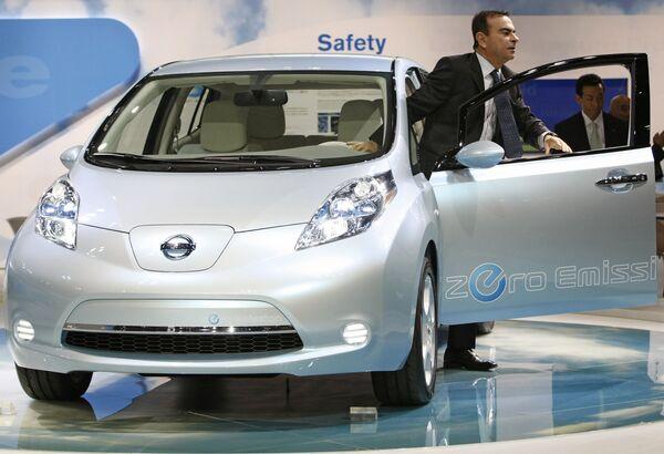 Nissan начнет производство электромобилей Leaf в 2013 году