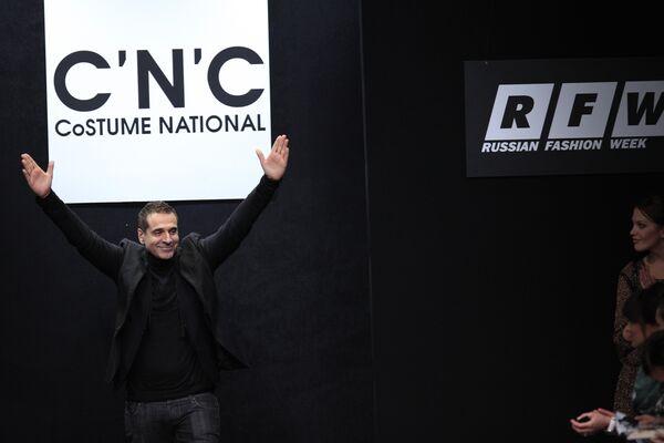 Russian Fashion Week. Основатель бренда C'N'C CoSTUME NATIONALl Эннио Капаза