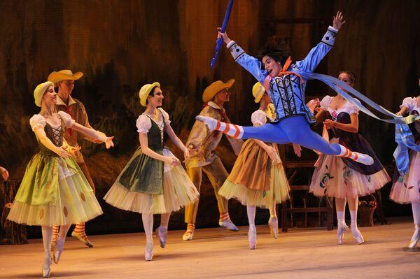 Генеральная репетиция балета Тщетная предосторожность в постановке Юрия Григоровича на сцене ГАБТ России