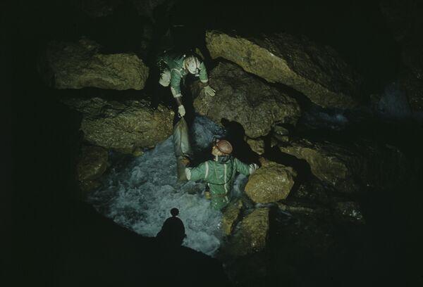 Пещера Снежная
