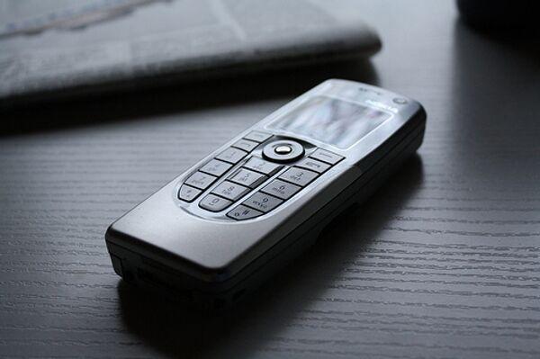 Англиканский священник в Лондоне благословил мобильные телефоны