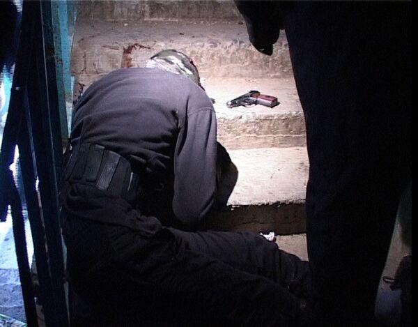 Труп одного из нападавших на месте убийства командира отряда СОБР Шапибулы Алигаджиева