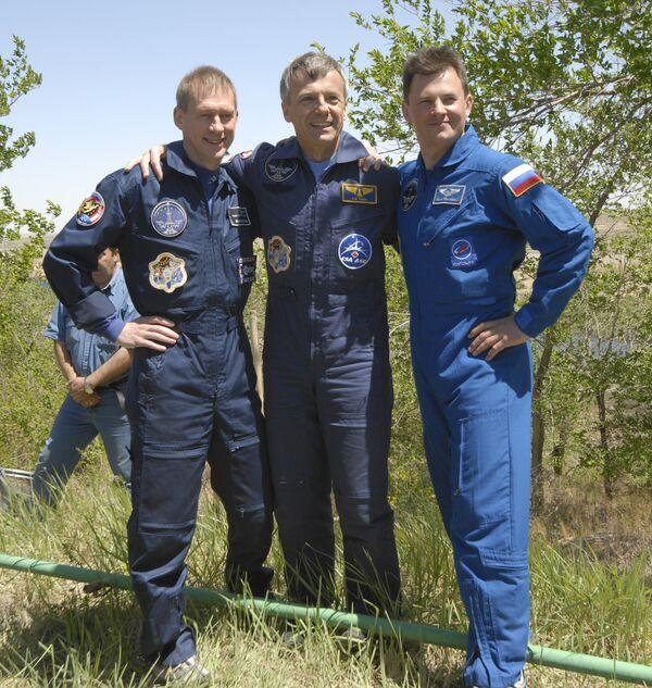 Трое космонавтов - Роман Романенко, Франк де Винн и Роберт Тирск