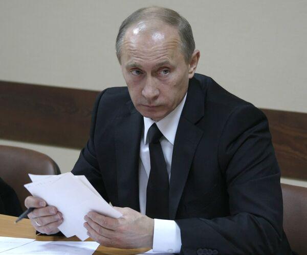 Путин поручил навести порядок в исполнении надзорных полномочий