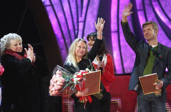 Джейн Торвилл, Кристофер Дин, Татьяна Тарасова во время импровизированного представления на МСА Лужники