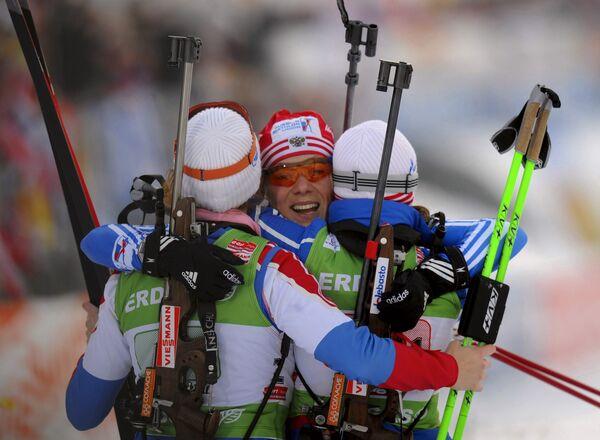 Женская сборная России по биатлону: Анна Булыгина, Ольга Зайцева, Светлана Слепцова