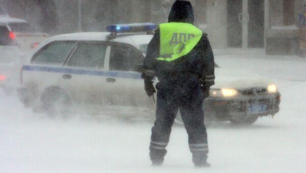 Работа сотрудников дорожно-патрульной службы ГИБДД
