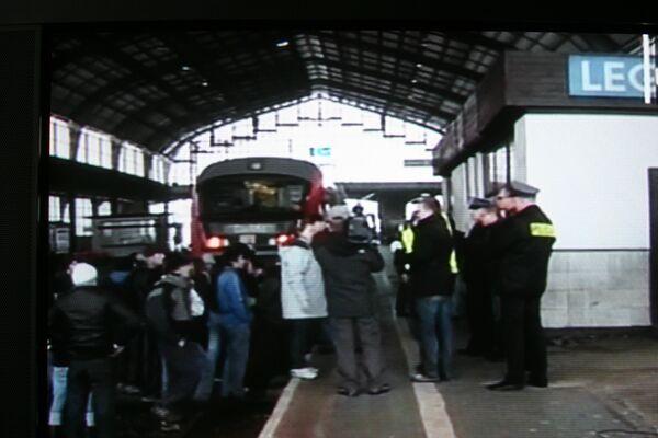В Польше 200 беженцев из Грузии и России захватили поезд и едут в Старсбург