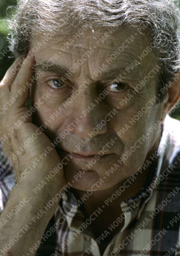 Писатель Григорий Бакланов