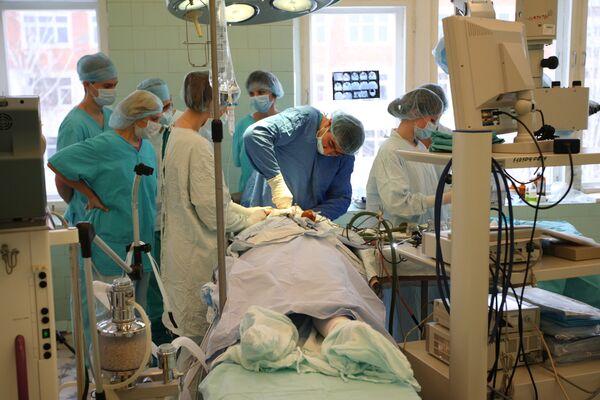 Власти РФ в 2010 г сосредоточатся на программе медицины