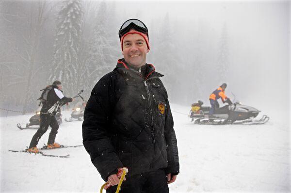 Президент РФ Дмитрий Медведев на горнолыжном курорте Красная Поляна