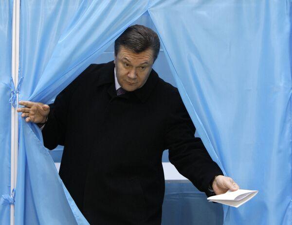 Exit-polls предрекают встречу Януковича и Тимошенко во II туре выборов