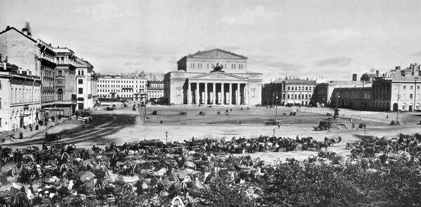 Театральная площадь в Москве