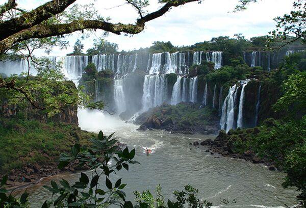 Река Парана на границе между Аргентиной и Парагваем