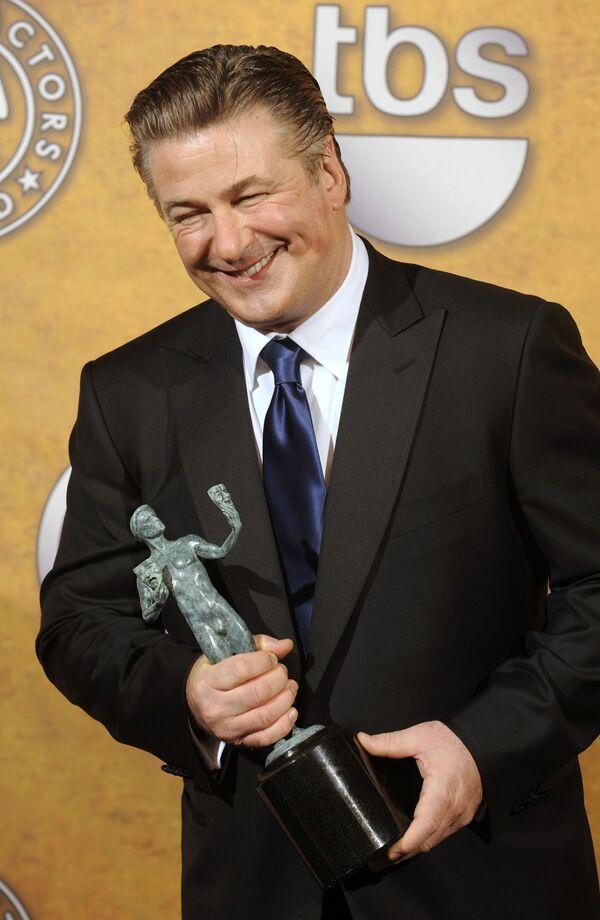 Алек Болдуин стал лучшим комедийным актером года в США