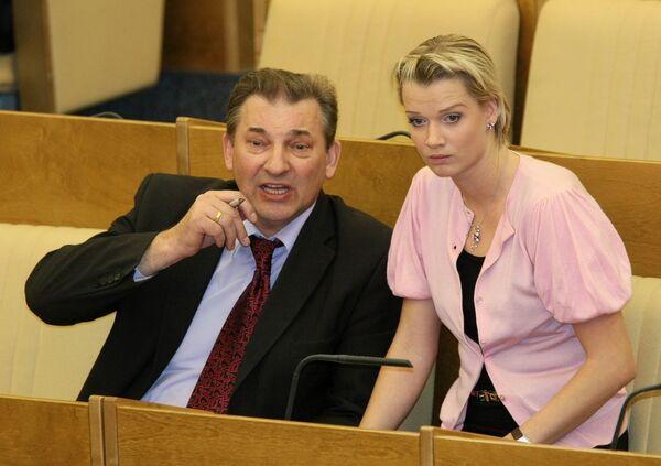 Владислав Третьяк и Светлана Хоркина на заседании Государственной Думы РФ