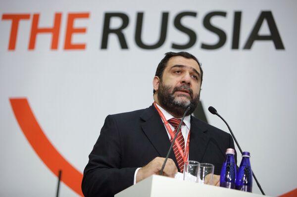 Рубен Варданян во время выступления на Форуме Россия- 2010