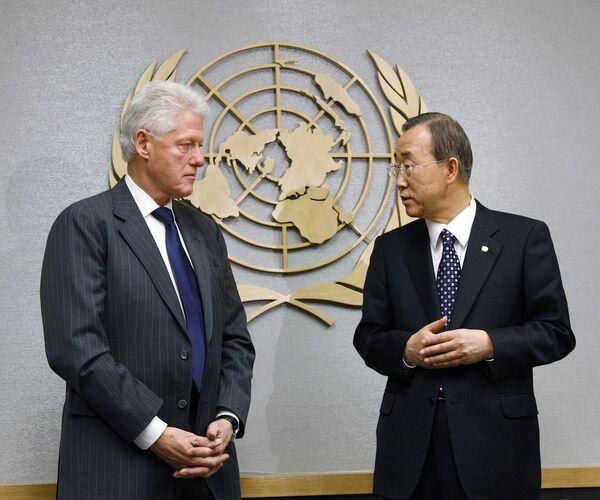 Спецпредставитель ООН по Гаити, бывший президент США Билл Клинтон и генсек ООН Пан Ги Мун