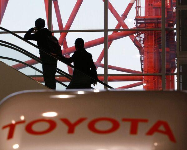 Президент Toyota извинился перед акционерами за отзывы автомобил