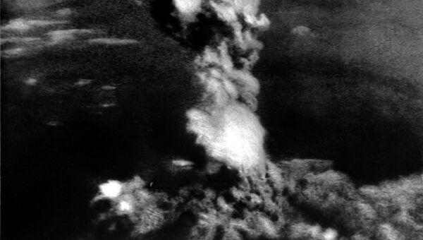 День 16 июля считается началом атомного века, навсегда изменившего мировые геополитические материи, методы, практику, тактику и стратегию мировой политики, добавившего в нее такой тяжелый козырь, как ядерное оружие