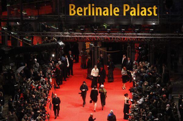 Юбилейный кинофестиваль Берлинале открылся в Германии