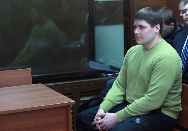Рассмотрение уголовного дела в отношении бывшего милиционера Романа Жирова, сбившего насмерть беременную женщину в мае 2009 года