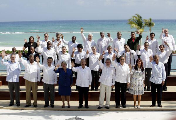 Главы государств и правительств стран Латинской Америки на саммите в Мексике