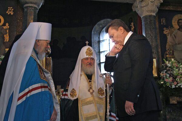 Патриарх Кирилл и митрополит Владимир отслужили литургию в честь инаугурации нового президента В.Януковича