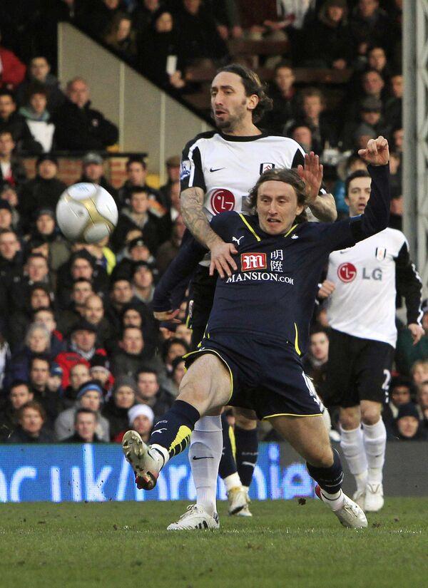 Лондонские клубы Фулхэм и Тоттенхэм не выявили сильнейшего в четвертьфинальном матче Кубка Англии по футболу