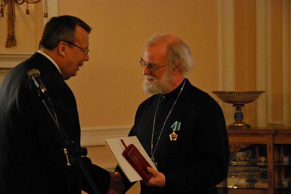 Глава Англиканской церкви архиепископ Кентерберийский удостоен российского Ордена Дружбы