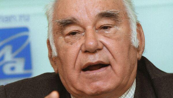 Журналист Василий Песков. Архив