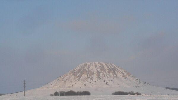 Акция Снеговики на страже гор, организованнуая жителями Башкирии в защиту гор Шиханы. Архивное фото