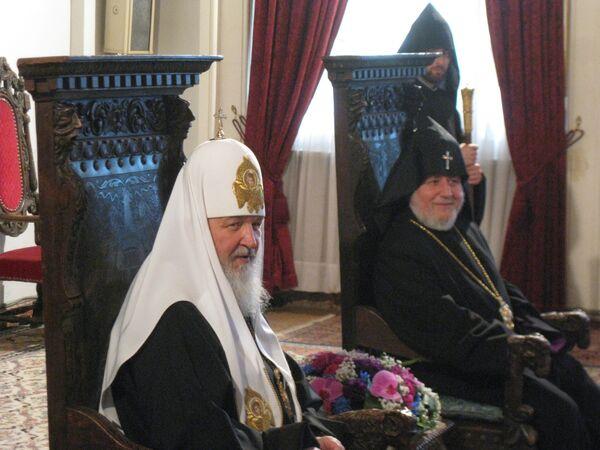 Патриарх Московский и всея Руси Кирилл и Католикос всех армян Гарегин II. Архив
