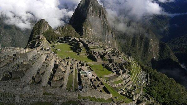 Вид на потерянный город инков Мачу-Пикчу