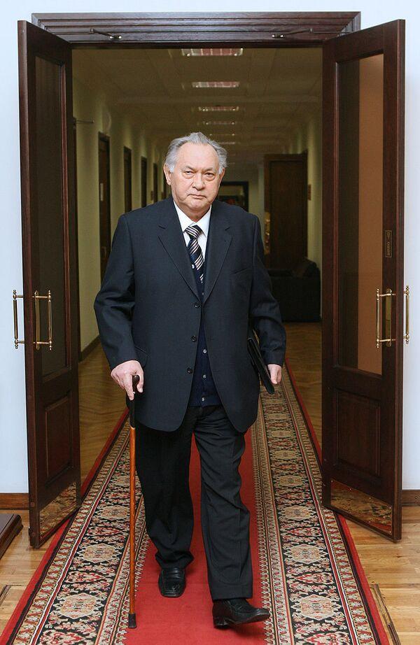 Юрий Маслюков