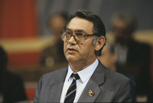 Юрий Дмитриевич Маслюков